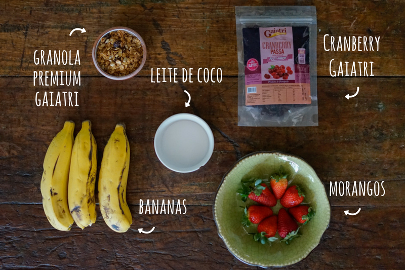 Smoothie de banana e morango ingredientes