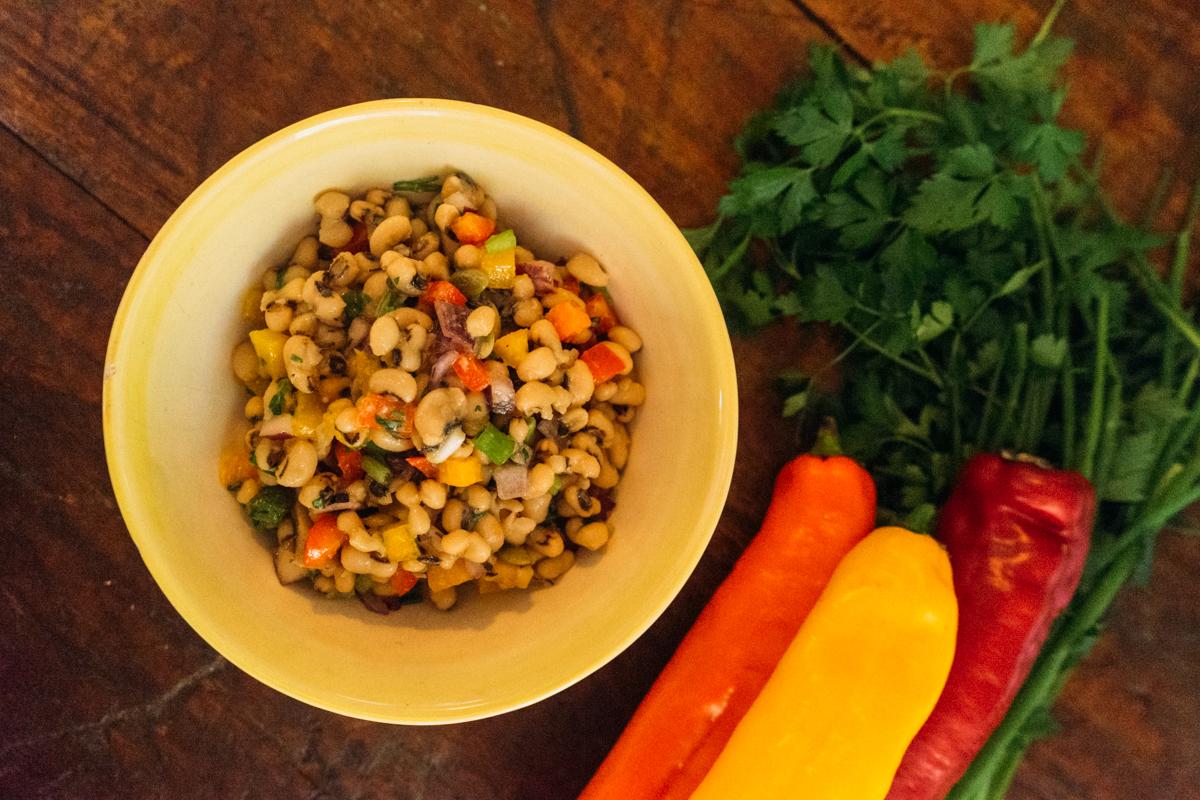 salada de feijão fradinho vegetariana