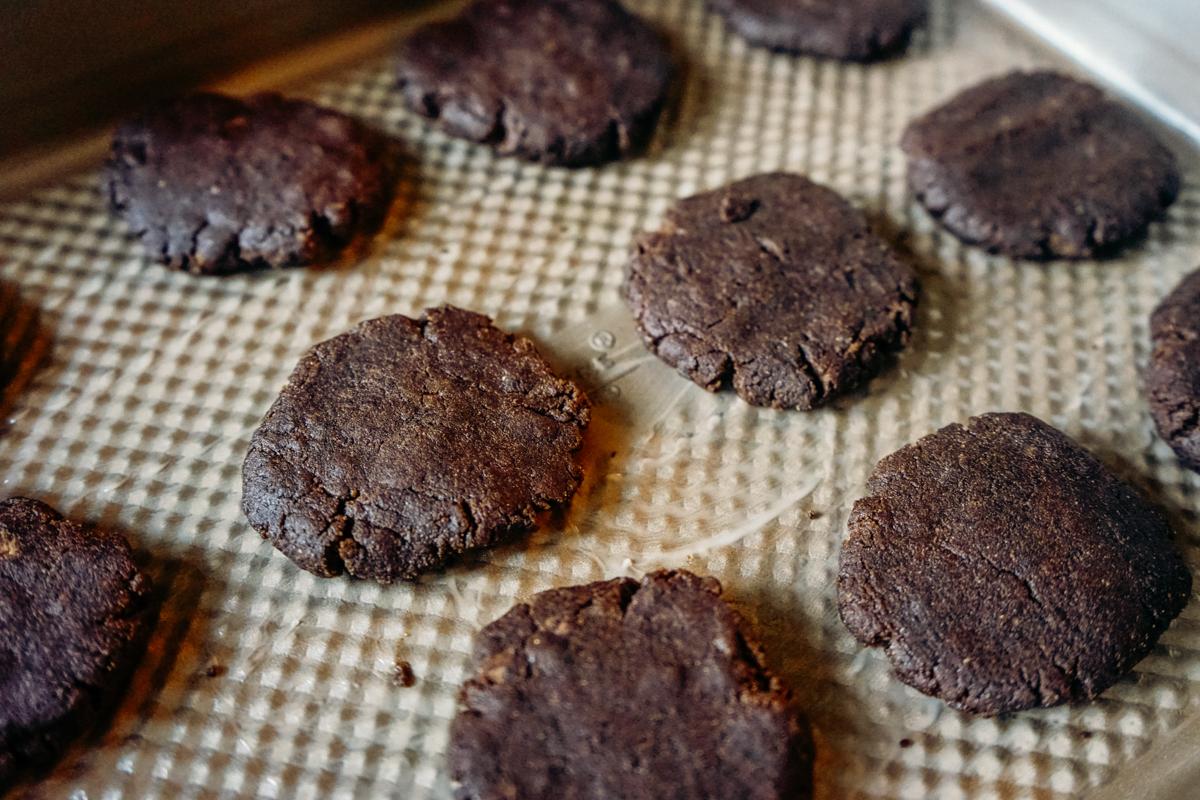 como fazer cookie de chocolate vegano