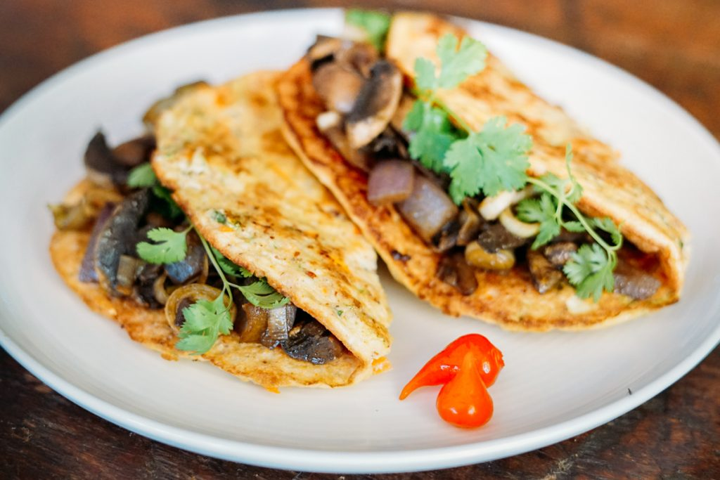 Panqueca low carb com cogumelos