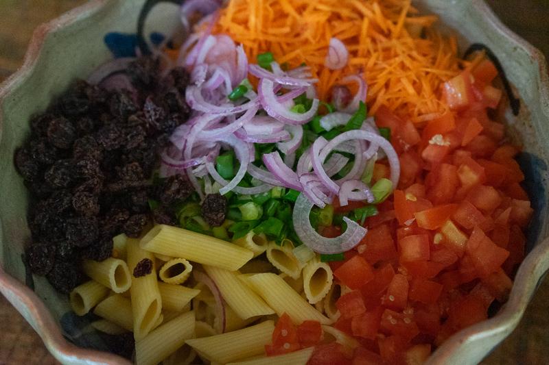 como fazer salada de macarrão vegana