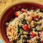 salada de quínua com pimentão